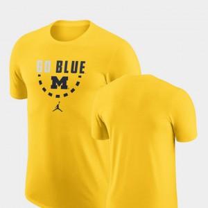 Basketball Team Maize Men Michigan T-Shirt 468322-858