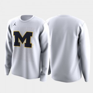 White March Madness Legend Basketball Long Sleeve Michigan T-Shirt Family on Court For Men's 712984-861